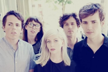 alvvays_2014_new_photo-singer