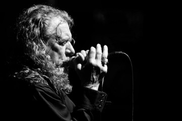 ROBERT PLANT, meneur de jeu international