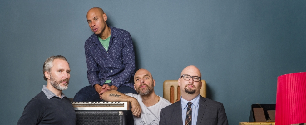 THE BAD PLUS JOSHUA REDMAN : Étonnamment calmes