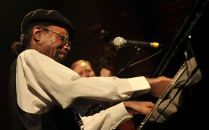 Johnny O'Neal (photo: Victor Diaz Lamich)