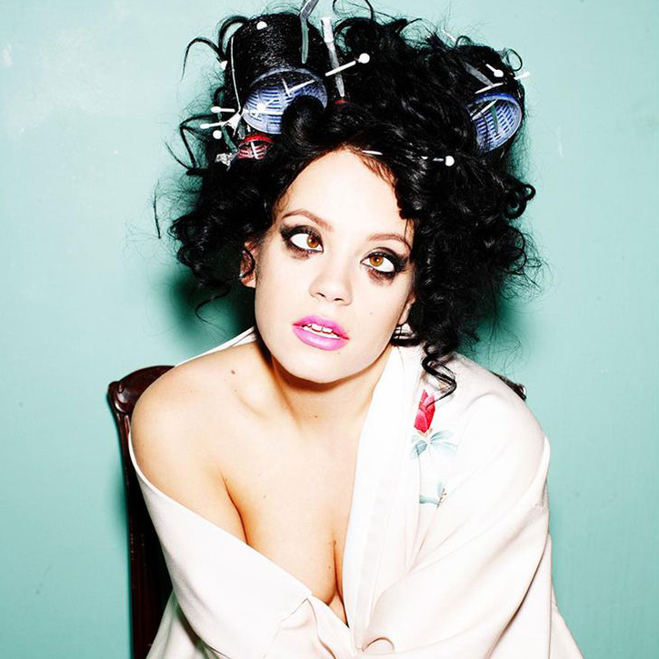 breast size Lily Allen