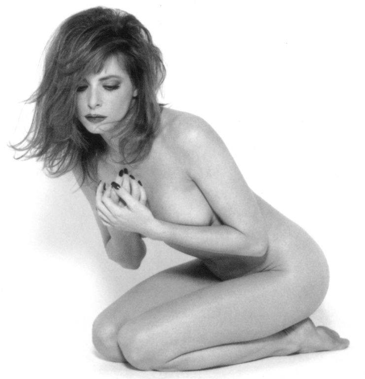 breast size Mylene Farmer