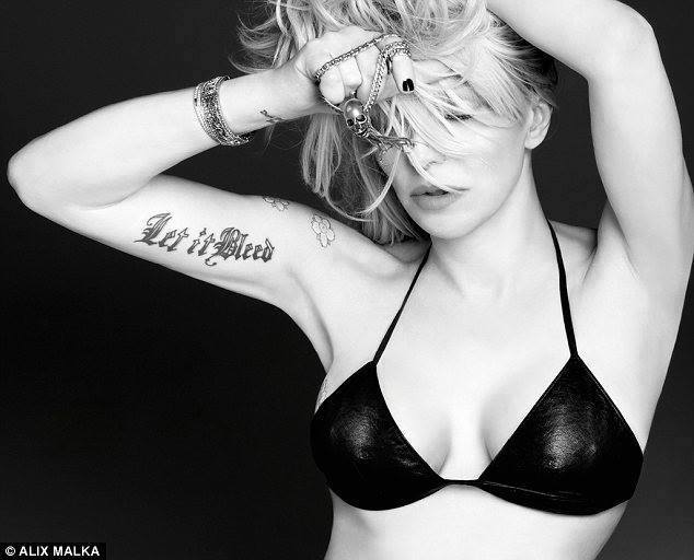 breast size courtney love hole
