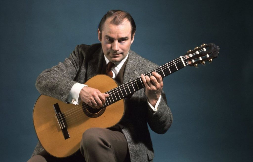 La guitare veloutée de JULIAN BREAM